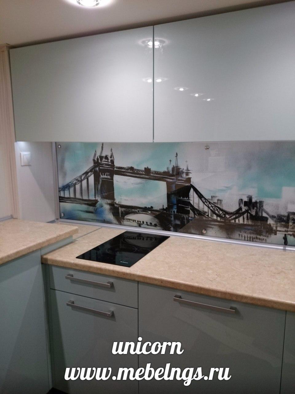 кухонный гарнитур с системой авентос