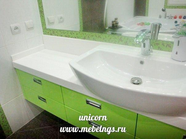 подвесная тумба для ванны с крашеными фасадами мдф
