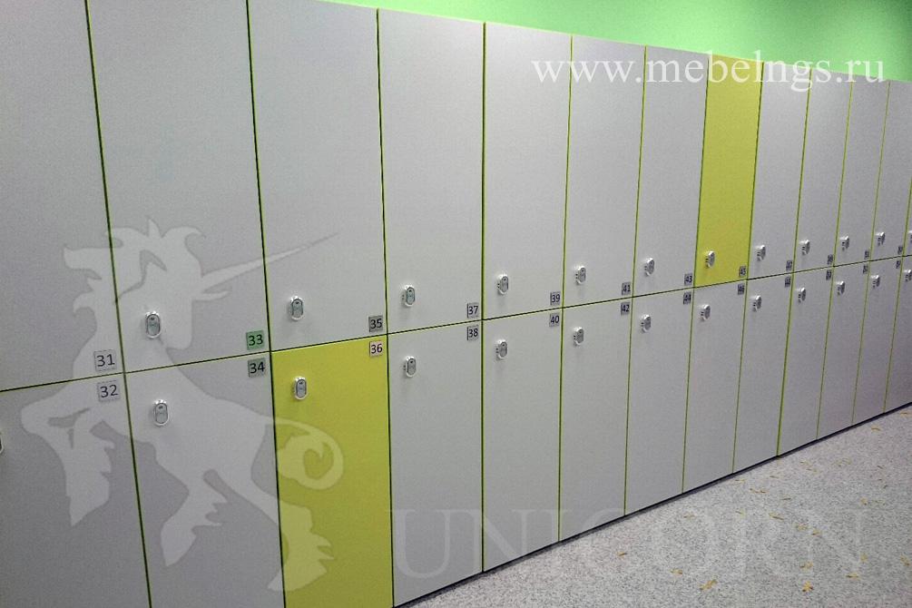 кабинки для раздевалки в фитнес-клубе