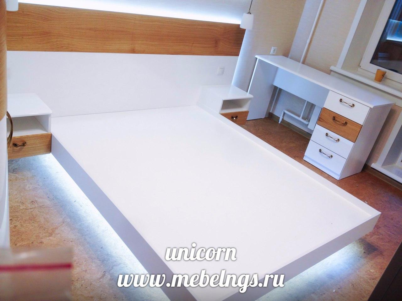 кровать двуспальная с эффектом парения в вздухе