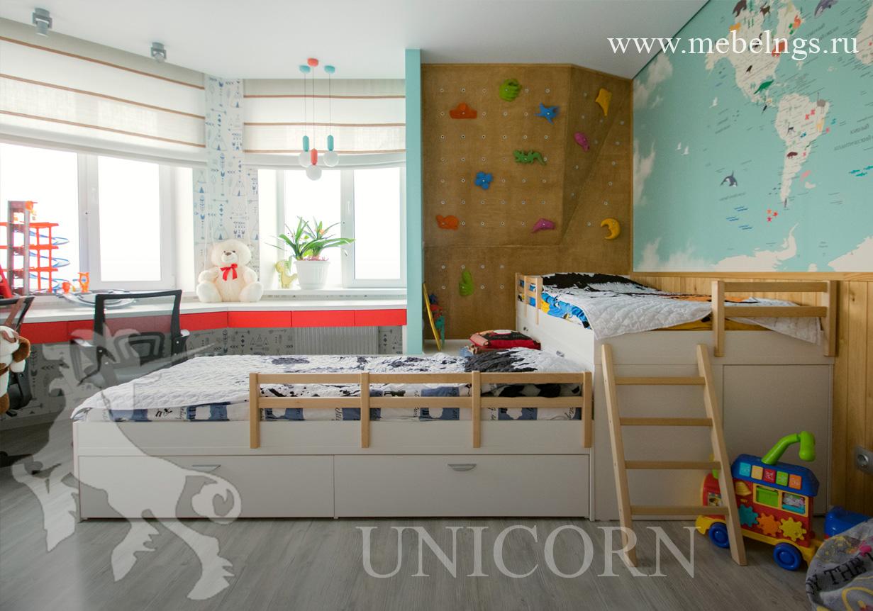 кровать с быстросъемным бортиком и лестницей