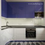 кухонный гарнитур угловой в сине-белой гамме