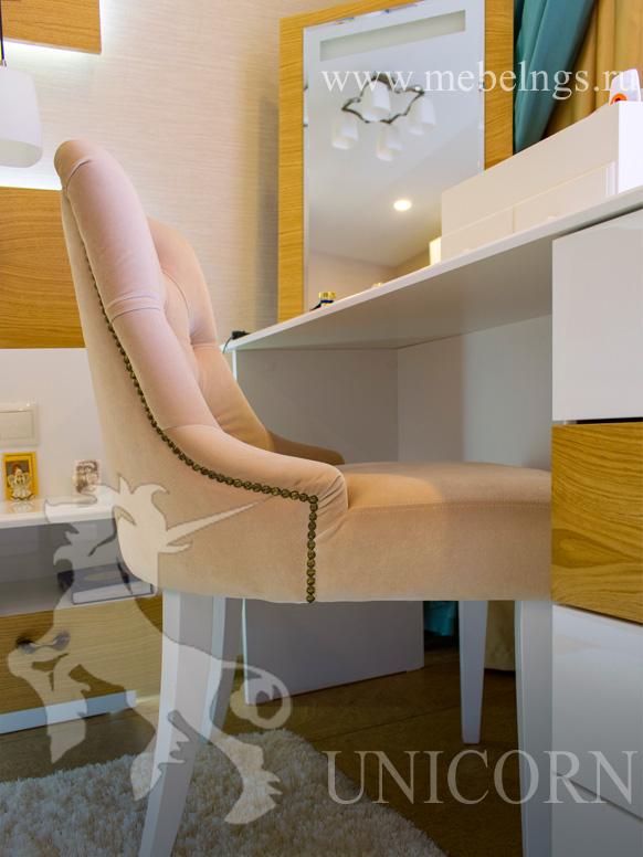 дизайнерский стул для спальни с каретной стяжкой