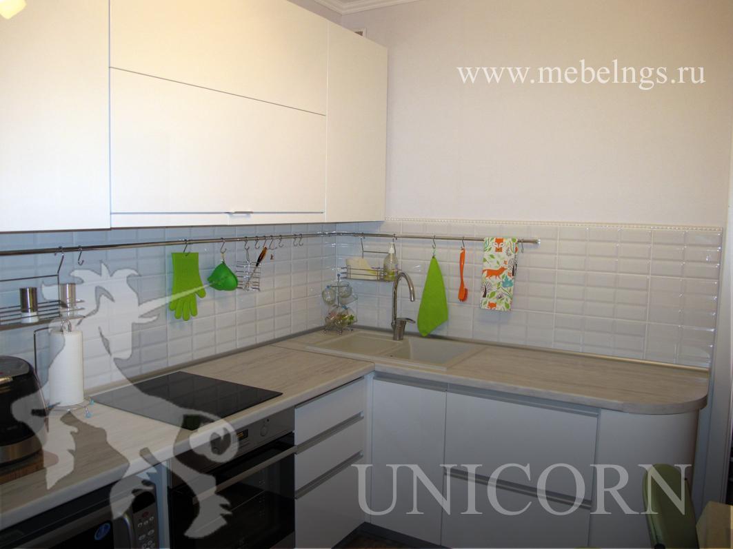 угловой кухонный гарнитур на заказ в Новосибирске от производителя