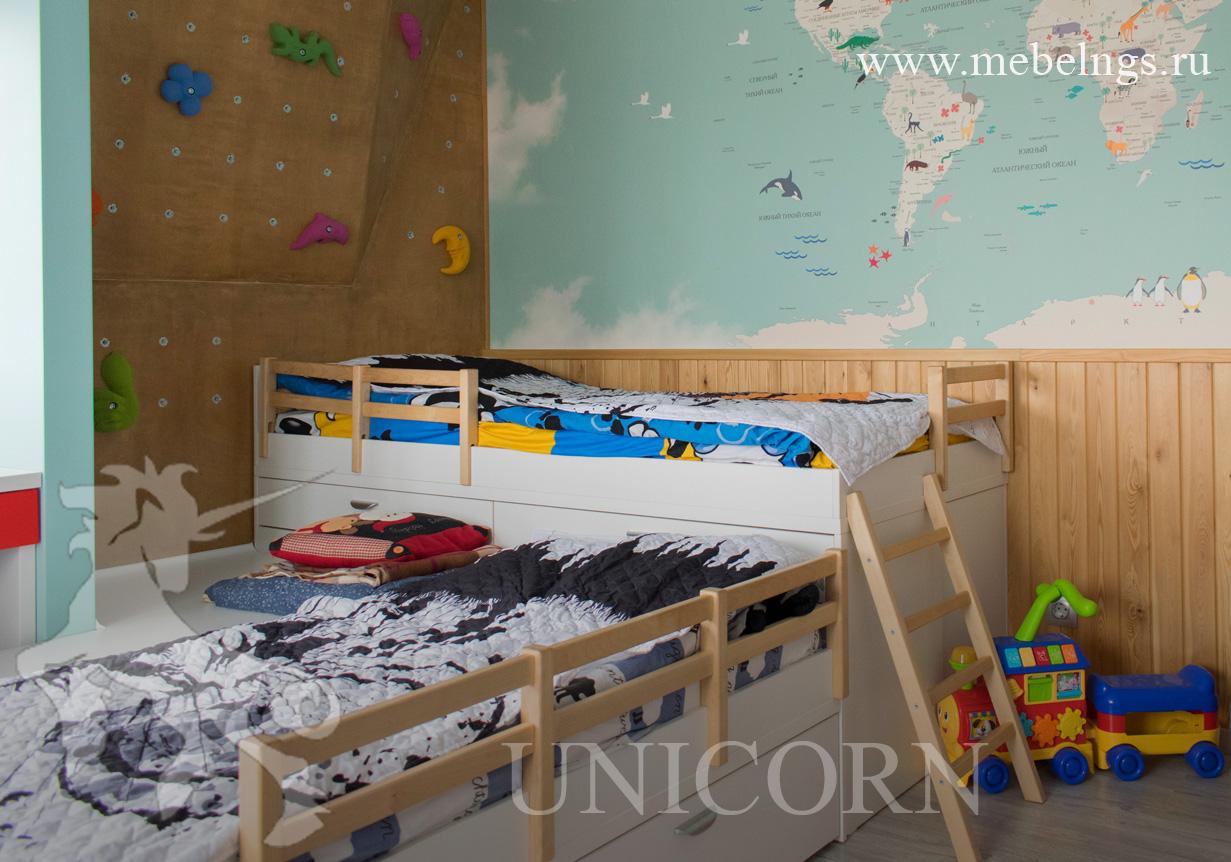 кровать из натурального дерева для детей